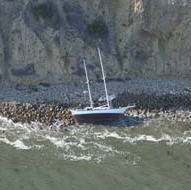Stranded Sailboat @ La Jolla